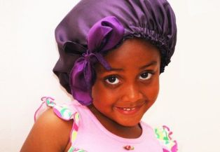 Bonnet satin enfant