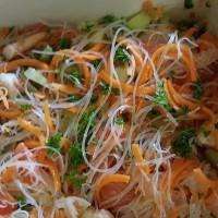 Salade thaïe aux crevettes et légumes